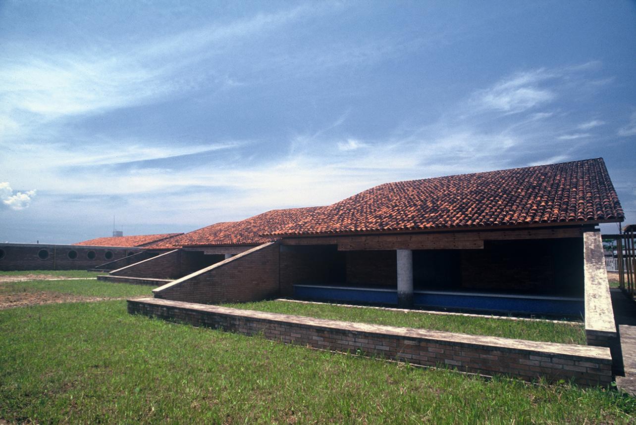 Escola_itanhaem_-_roberto_loeb